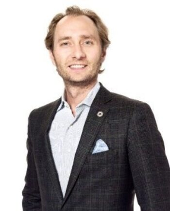 Ten Healthcare Moonshots and How This Digital Health Entrepreneur is Tackling Them with Unity Stoakes, Co-founder and President of StartUp Health